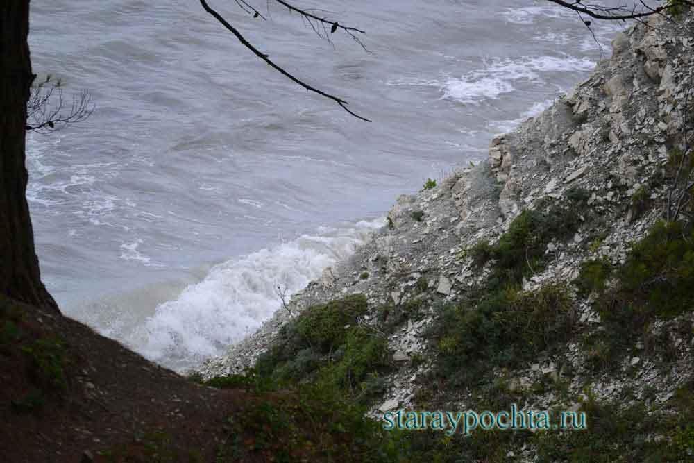 Море после шторма. Фото (241) Ю. Зотов, 2013