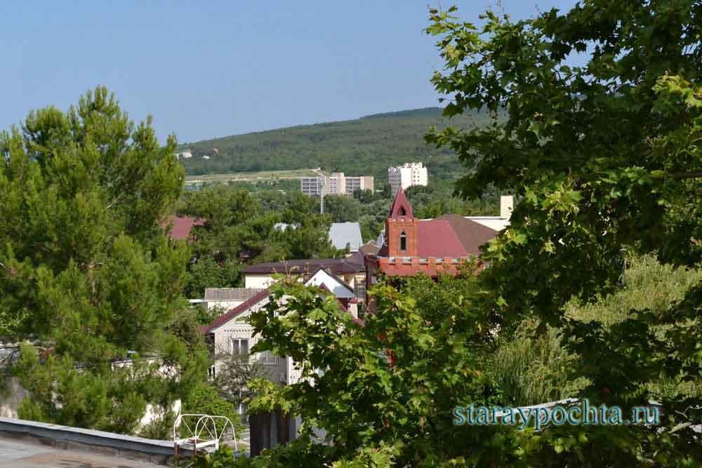 Вид поселка Дивноморский. Фото (350) Ю. Зотов, 2013