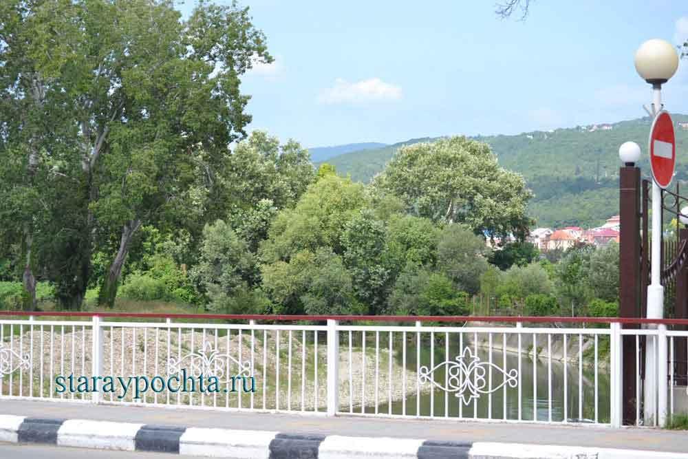 Мост через реку Мезыбь. Фото (436) Ю. Зотов, 2013