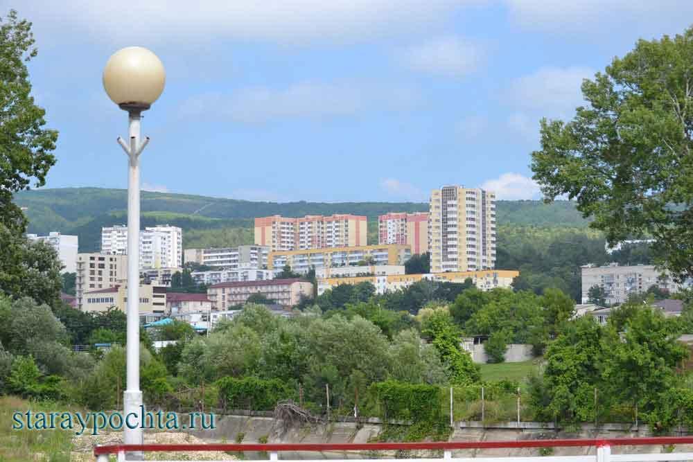 Дивноморский. Фото (438) Ю. Зотов, 2013